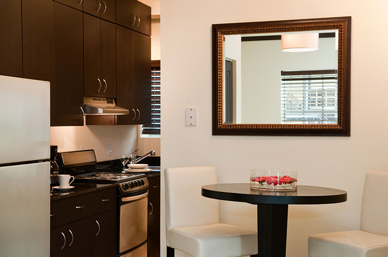 Sunbrite Apartment. Kitchen and Dinning Area.